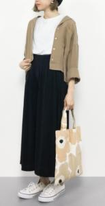 黒・ブラウンのガウチョパンツの30代女性向けコーディネートに関する参考画像