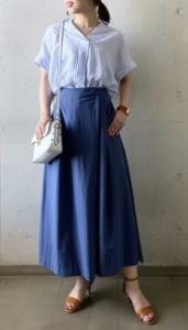 青・ブルーのガウチョパンツの30代女性向けコーディネートに関する参考画像