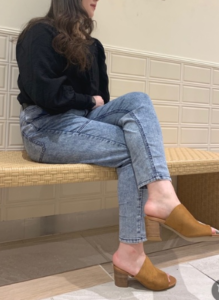 ミュールサンダルの30代女性向けコーディネートに関する参考画像