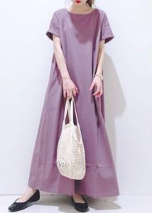 紫・パープルのマキシ丈ワンピースの30代女性向けコーディネートに関する参考画像
