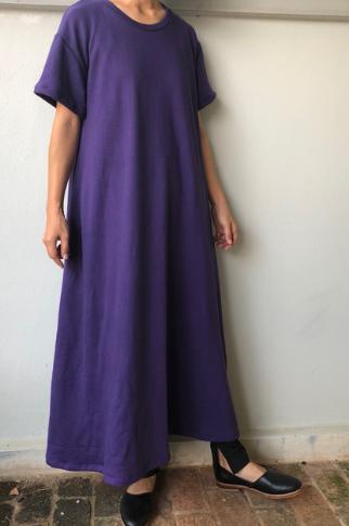 紫・パープルのマキシ丈ワンピースのコーディネートに関する参考画像