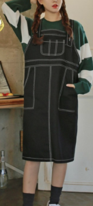 デニムワンピースのコーデに関する参考画像