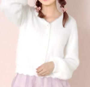 恋つづ上白石萌音の衣装ブランドに関する参考画像