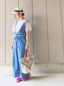 【2020年夏】レディースコンフォートサンダルの人気色別コーデや組み合わせ!トレンドや30代女性向けの合わせ方!