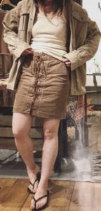 シャツジャケットの春向けコーデに関する参考画像