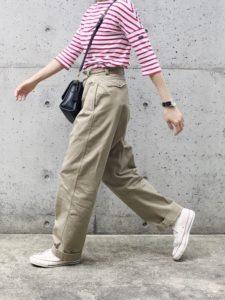 【2020年夏】レディース半袖カットソーの人気色別コーデや組み合わせ!トレンドや30代女性向けの合わせ方!