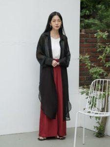 【2020年夏】レディース韓国ファッションの人気色別コーデの参考画像