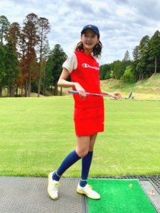 【2020年夏】レディースゴルフシューズの人気色別コーデの参考画像
