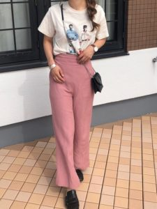 【2020年夏】レディースリネンパンツの人気色別コーデの参考画像