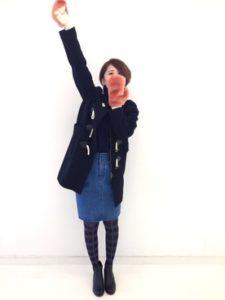 【2020年秋冬】手袋の30代レディース向け色別流行コーデの参考画像