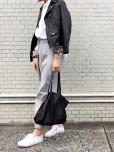 【2020年秋】ライダースレザーの30代レディース向け流行コーデの参考画像