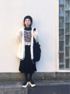 【2020年秋】ファーコートの30代レディース向け色別流行コーデの参考画像