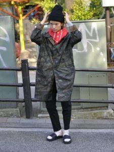 【2020年秋冬】ネックウォーマーの30代レディース向け色別流行コーデの参考画像