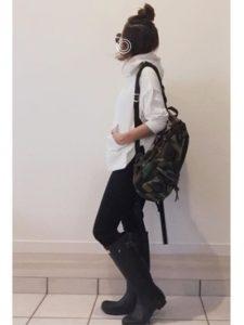 【2020年秋】レインシューズ30代レディース向け色別流行コーデの参考画像