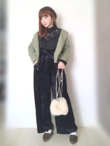 【2020年冬】ベロアパンツの30代レディース向け色別流行コーデの参考画像