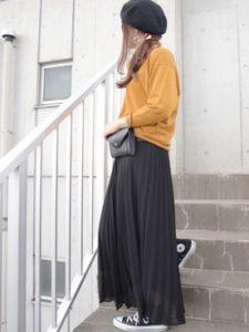 【2020年秋】レザーボディバッグの30代レディース向け色別流行コーデの参考画像