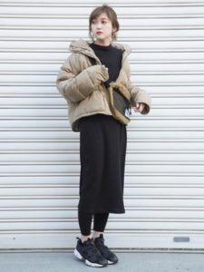 【2020年冬】ニットワンピースの30代レディース向け色別流行コーデの参考画像