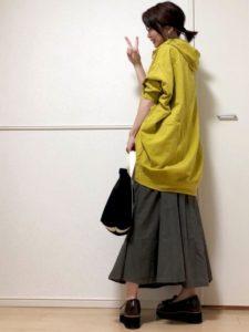 【2020年秋】パーカーの30代レディース向け色別流行コーデの参考画像