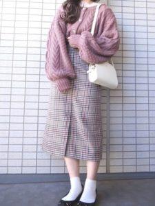 【2020年秋】ケーブルニットの30代レディース向け色別流行コーデの参考画像