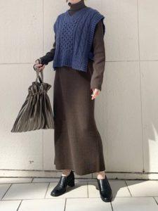 【2020年秋】ニットベストの30代レディース向け色別流行コーデの参考画像