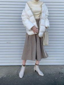 【2020年秋】ダウンジャケットの30代レディース向け色別流行コーデの参考画像
