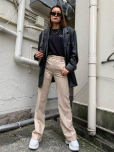 【2020年秋】レザージャケットの30代レディース向け流行コーデの参考画像