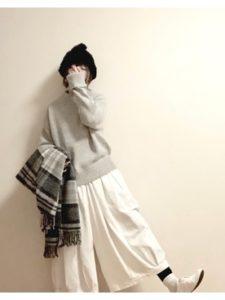 【2020年秋】ストール・大判の30代レディース向け色別流行コーデの参考画像