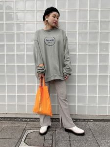 【2020年秋】厚底ブーツの30代レディース向け色別流行コーデの参考画像