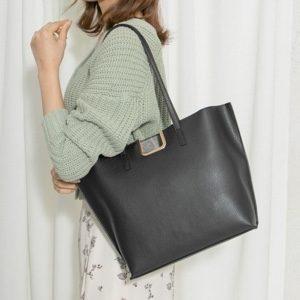ギルティで新川優愛が着用しているバッグのブランドの参考画像