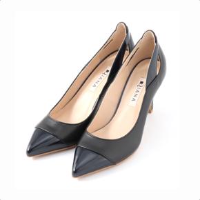 ギルティで新川優愛が着用している靴のブランドの参考画像