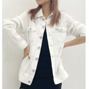 M愛すべき人がいてで安斉かれんさんが着用しているジャケットブランドの参考画像