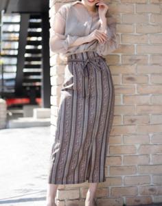 美食探偵で小池栄子が着用しているスカートブランドの参考画像