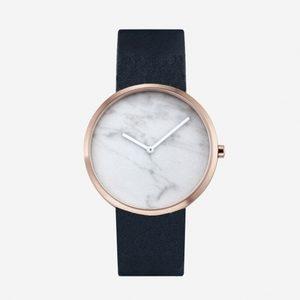 ギルティで新川優愛が着用している腕時計ブランドの参考画像