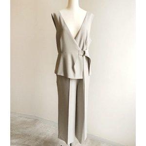 ギルティで新川優愛が着用しているオールインワンブランドの参考画像