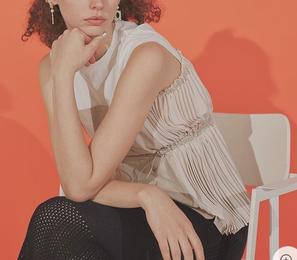ギルティで中村ゆりかが着用しているトップスブランドの参考画像