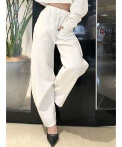 M愛すべき人がいてで安斉かれんさんが着用しているパンツブランドの参考画像