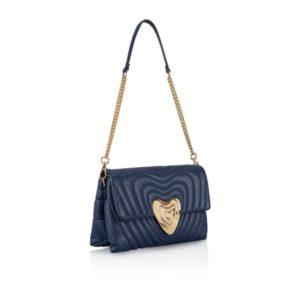 M愛すべき人で安斉かれんさんが使用しているバッグブランドの参考画像