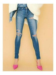 M愛すべき人がいてで安斉かれんさんが着用しているデニムパンツブランドの参考画像