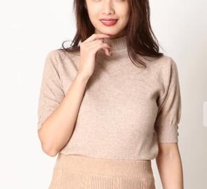 美食探偵で小池栄子が着用しているトップスブランドの参考画像