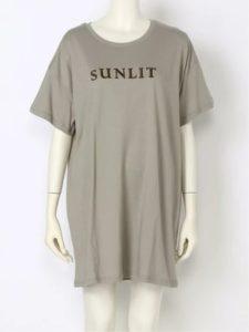 家政夫のミタゾノで飯豊まりえが着用しているTシャツブランドの参考画像