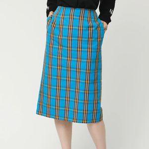 私の家政夫ナギサさんで多部未華子さんが着用しているスカートブランドの参考画像