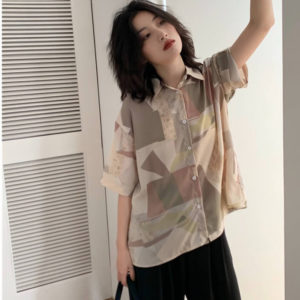 ハケンの品格で山本舞香さんが着用しているシャツブランドの参考画像