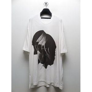 MIU404で綾野剛さんが着用しているTシャツ