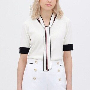 オーマイボスで上白石萌音さんが着用しているニットブランドの参考画像